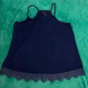 Maurice's flowy lace trimmed tank XL